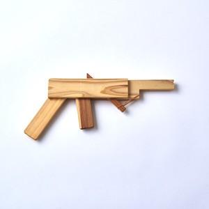 百年杉の輪ゴム鉄砲