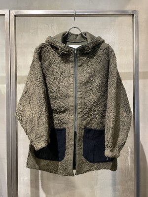 TrAnsference hooded boa blouson - forest