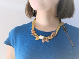 vintage necklace pearl and leaf <NC-MSpl>