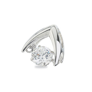 3:揺れるダイヤモンドペンダント0.1ct