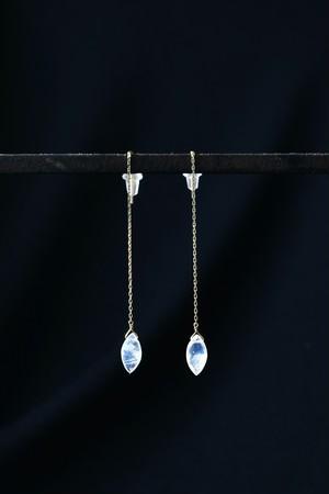 K18 Blue Moon Stone Chain Earrings MQ 18金ブルームーンストーンチェーンピアスMQ