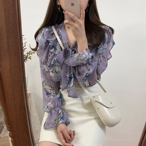 透け感シフォンのたっぷりフリルがオトナかわいい花柄長袖ブラウス 2色