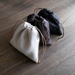 DAISY  カーフレザーの巾着袋