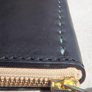 コの字ファスナーの定番長財布 / ブラック