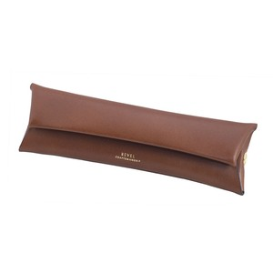 PEN CASE CAMEL [EST OIL]