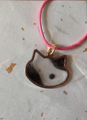 猫黒ぶちペンダントトップ
