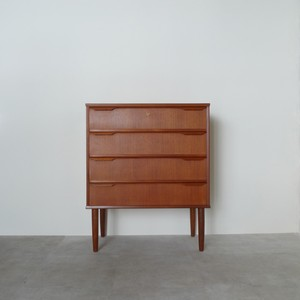 Chest of 4 drawers / CS005