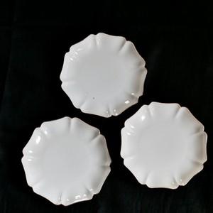 【30936】九谷の白 輪花 平皿 L/ Kutani White Rinka Plate  L / Showa Era