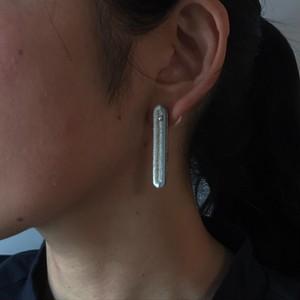彩り'白' の耳飾り