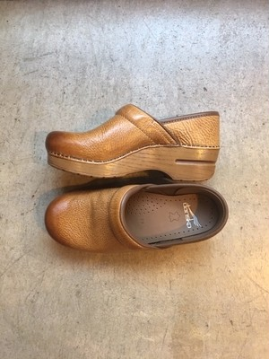dansko Professional Honey Distressed