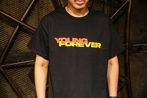YOUNG FOREVER Tシャツ(黒)