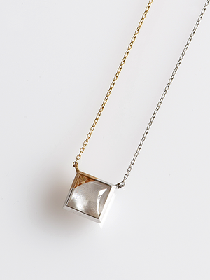 [ネックレス] synchronize necklace / White frost & Champagne