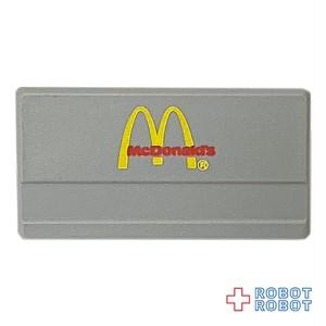 マクドナルド 名札 銀に赤文字 ネームタグ バッジ