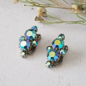 青いオーロラガラスのイヤリング
