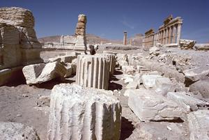 シリアのパルミラ遺跡  列柱通りの残骸