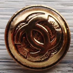 689 CHANEL VINTAGE(シャネル ヴィンテージ)COCOマーク デザイン  ボタン ゴールド