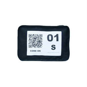 No.1 Travel Pouch (QR) Black 1 LO-STN-PC01