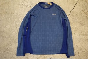USED sherpa Polyester T-shirt -Small T0582