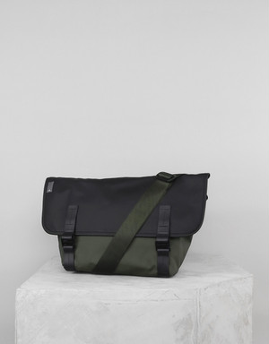 TOPOLOGIE Pacer Messenger Dry Army