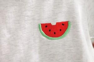 スイカ刺繍入りTシャツ(ホワイトグレー)