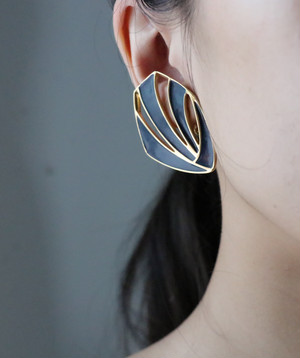 dead stock navy × gold earrings