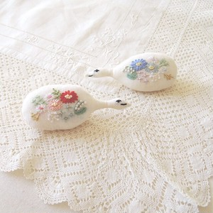 embroidery bird brooch