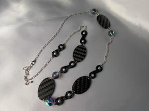 まるカーボンと樹脂真珠ネックレスver2