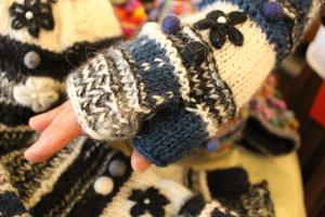 手編みミトン&ハンドウオーマー花刺繍ポンポンブルー