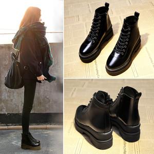 英国風ブーツ 厚底ブーツ シンプル 歩きやすさ◎