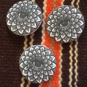 flower button (M) 1個