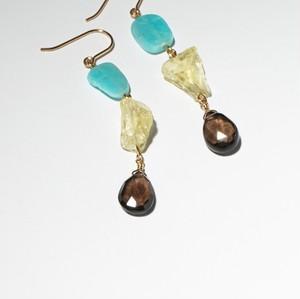 Gems chained pierced earring