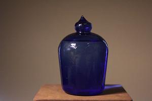 消化弾のガラス瓶