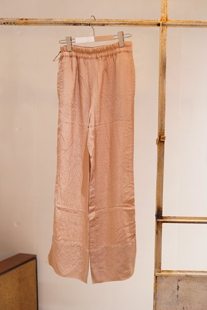 Acne Studios / STRUCTURED FLUID TROUSERS (OLD PINK)
