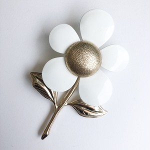 """Sarah Coventry"" white flower brooch[b-263] ヴィンテージブローチ"