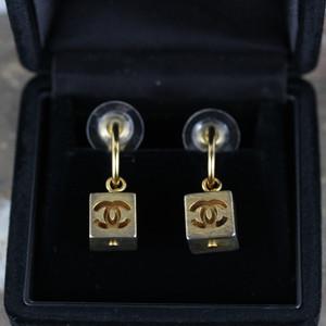 .CHANEL 02A COCO MARC SWING CUBE EAR CLIPS MADE IN FRANCE/シャネルココマークスウィングキューブイヤリング 2000000041612