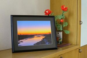 夜明けの川景色 額入り写真