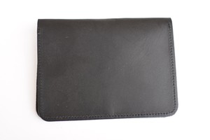【HERITAGE LEATHER CO.】LEATHER PASSPORT CASE - BLACK