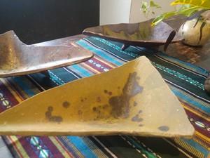 穴窯 薪窯焼締三角皿 E-0021