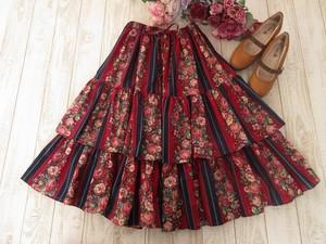 深赤に美薔薇のロングスカート
