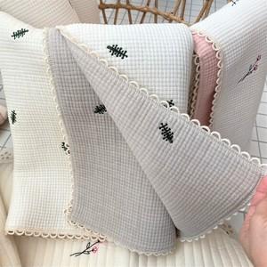 joonidress /Embroidery gauze jagardblanket