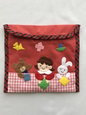 お友達と一緒に折り紙(定番デザイン)