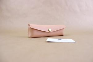 JAPAN LANSUI DESIGN 名入れ対応 ヌメ革手作り手縫い ペンケース 品番0KSFASAFSD