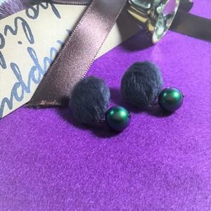 """Button Earrings """"Green Cats""""  【ボタンピアス】 ハンドメイド 大人 かわいい クルミボタン"""