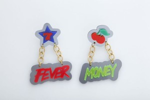 MONEY FIVERピアス