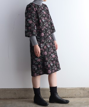 フラワージャカートのワンピースドレス