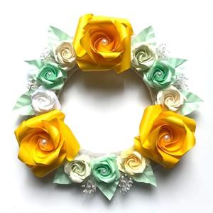 折り紙のバラ壁飾りリース