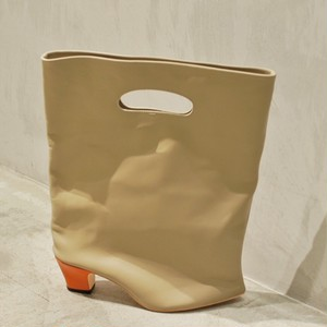 Azumi and David / odd heel porthole bag (single heel)