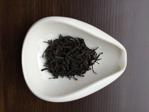 後藤さんの豊橋紅茶 あさつゆ手摘み