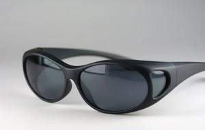 眼鏡の上からかけられる偏光カバーグラス7165