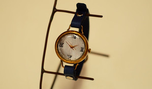 小ぶりなかわいい腕時計
